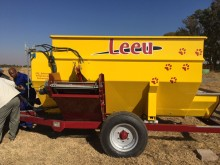 Yellow Leeu 6m Voermenger/Feeder New Trailer