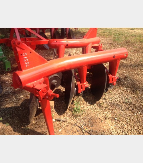 S1534 Pre-Owned Massey Ferguson (MF) 3 Disc Pipe Plough / Skottel Pyp Ploeg