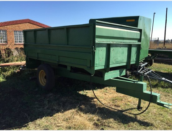 S1841 Pre-Owned Tip Trailer with High sides