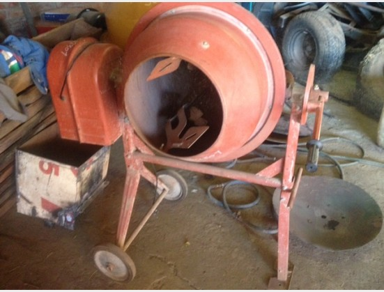 Pre-Owned Other Unknown Make Electric Concrete Mixer / Elektriese Korkeet Menger
