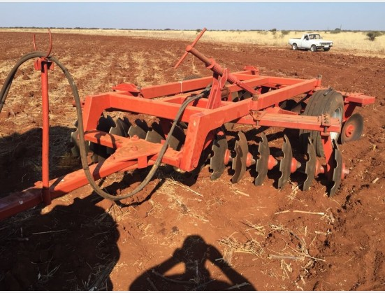 Red Radium 26 Disc Hydraulic Harrow  Pre-Owned Implement