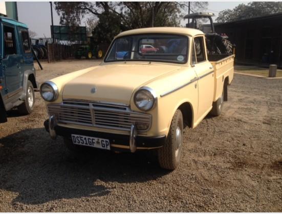 Cream Datsun 1200 Bakkie 2x4
