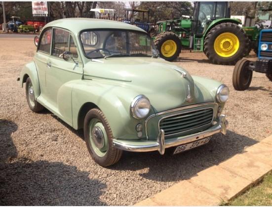 Green Morris Minor 1000